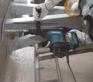 Utilizzo Tassellatore 850W Makita HR3200C mm. 32