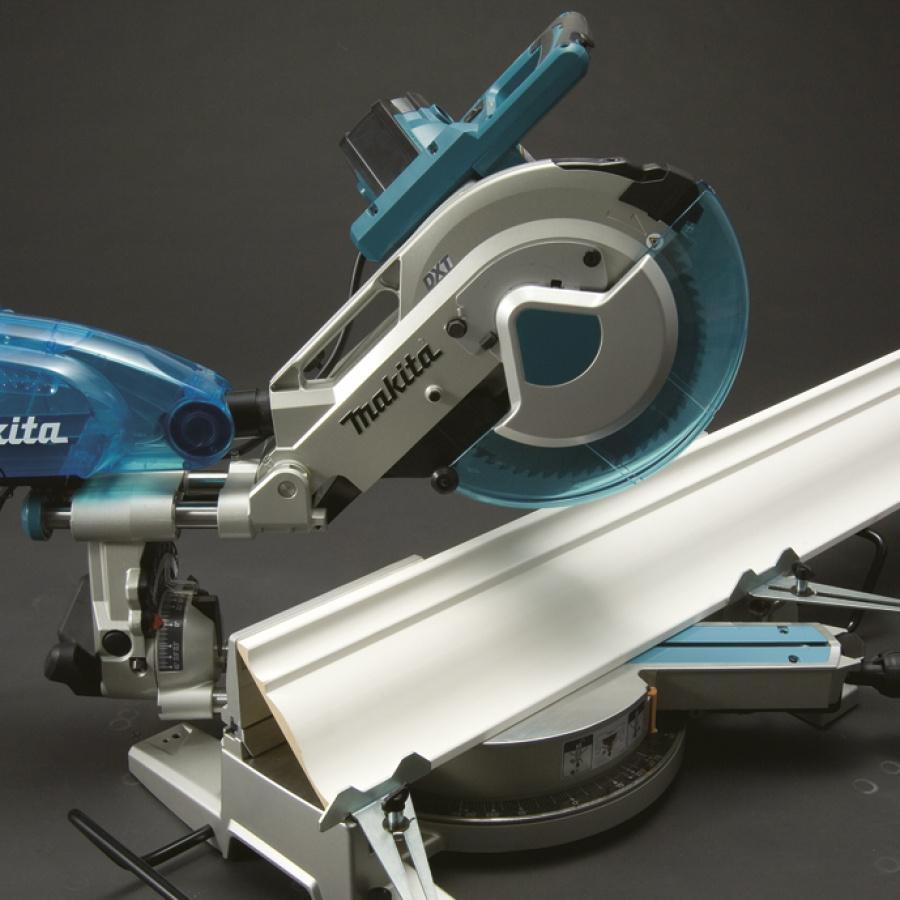 Utilizzo Sega da banco radiale con illuminazione 1650w Makita LS1016F mm. 260