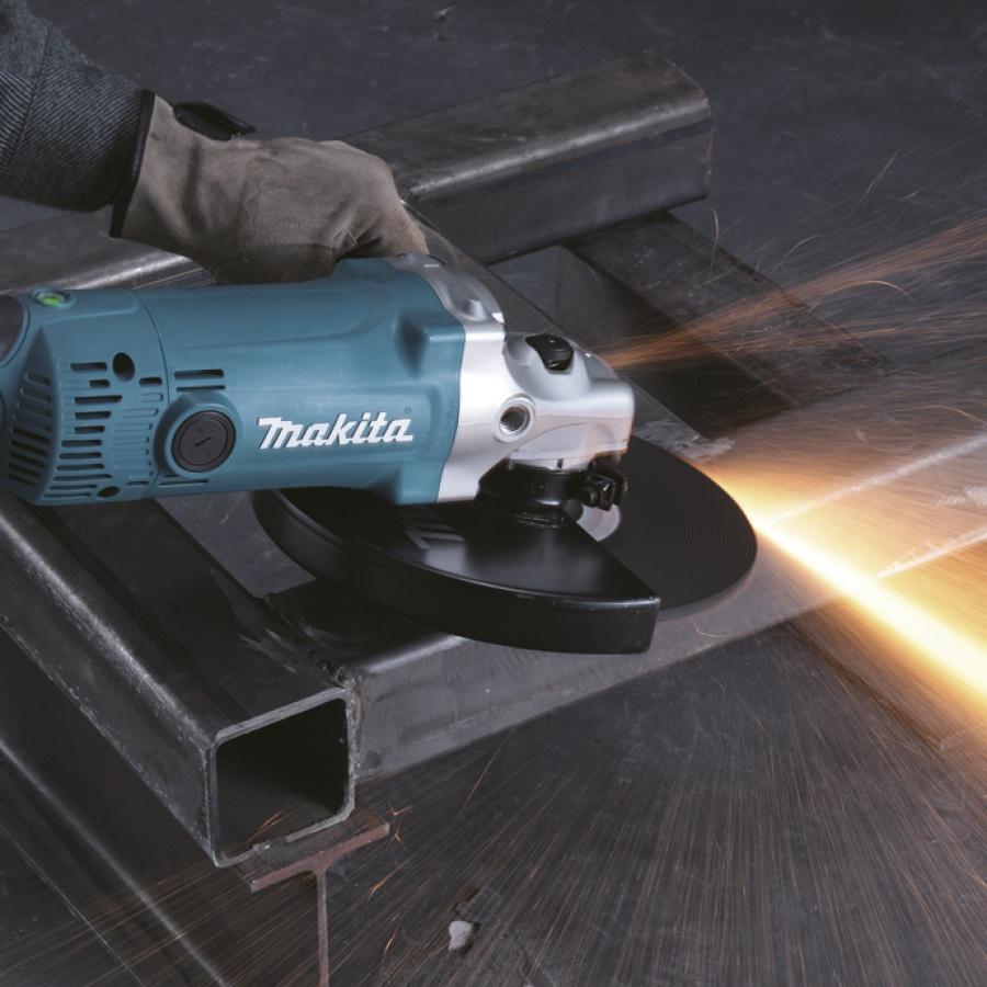 Utilizzo smerigliatrice angolare Makita GA9050R