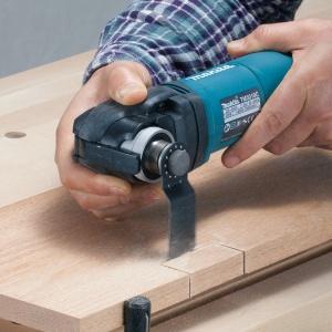 Utilizzo Utensile Multifunzione Makita TM3010CX2J taglio legno
